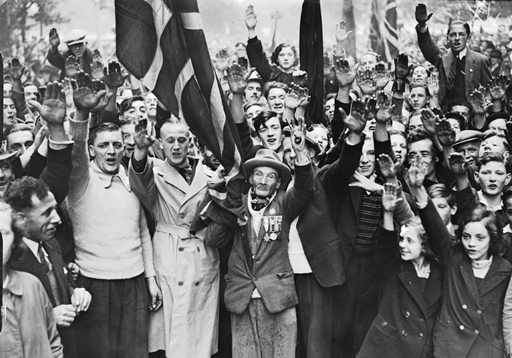 Fascist supporters at BUF march in Bermondsey, 3 October 1937. © National Media Museum / SSPL