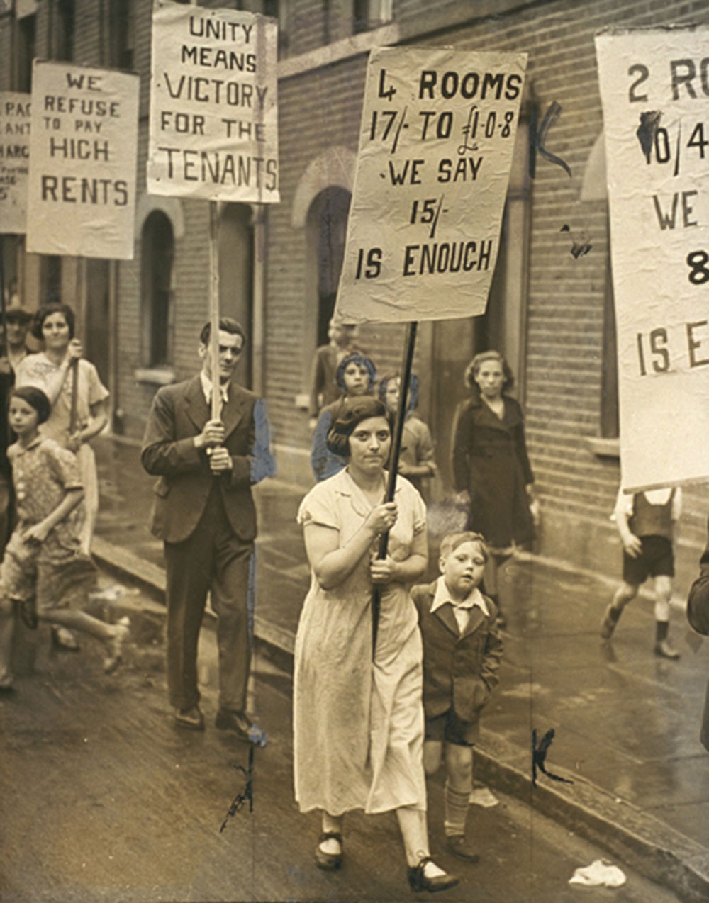 Rent strike demonstration in the East End, 1938. © National Media Museum / SSP. © National Media Museum / SSP